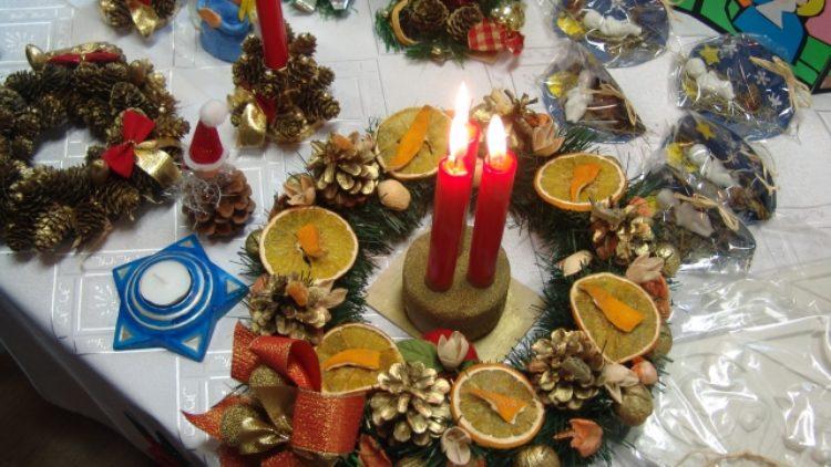 """VIII  Kiermasz  Świąteczny """"W oczekiwaniu na Boże Narodzenie"""""""