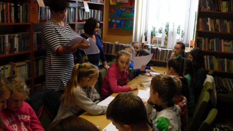 """""""Bajkowe łamigłówki"""" w bibliotece w Lubatowej"""