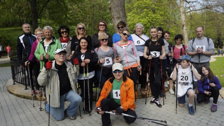 """Marsz nordic walking """"Po zdrowie i urodę"""" – 3 Maj 2016"""