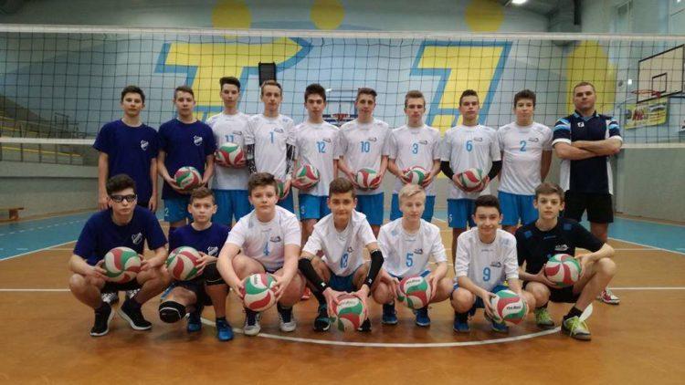 Hubert Stareńczak z Iwonicza-Zdroju, wraz z drużyną młodzików Karpaty MOSiR Krosno, wywalczył brązowy medal w Mistrzostwach Podkarpacia w siatkówce
