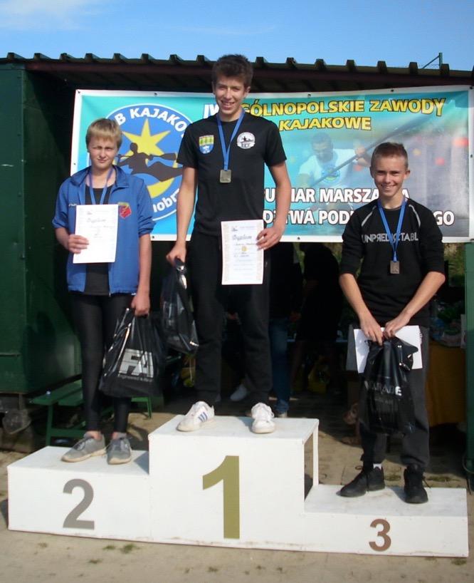4 medale Rimmy i Huberta z Ogólnopolskich zawodów Kajakowych w Tarnobrzegu