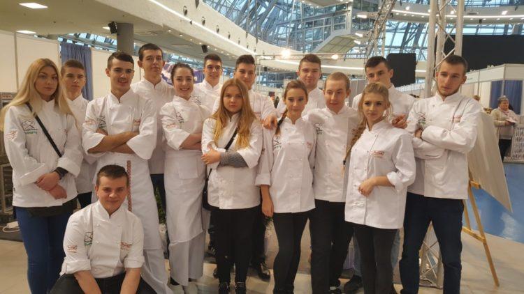 Wyróżnienie dla Klaudii Żebrackiej i Patrycji Majki – uczennic ZS przy OSiW OHP  w Iwoniczu   w XII Europejskim Konkursie Kulinarnym EKOGALA 2017