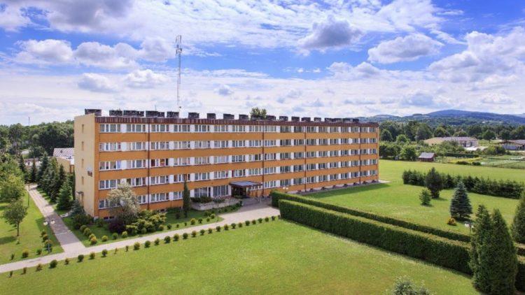 Oferta wynajmu internatu w Iwoniczu na obozy i kolonie letnie