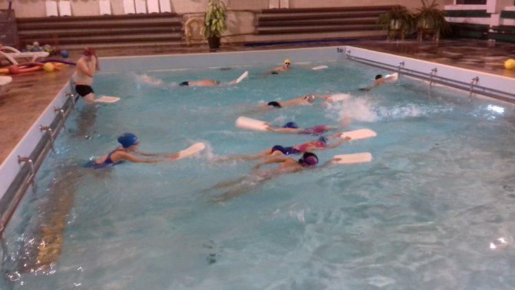 Wyjazdy na basen z Gminnych Świetlic Młodzieżowych