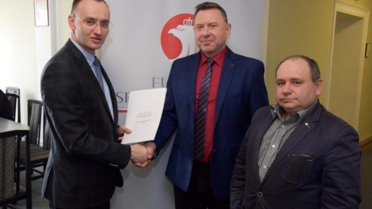 Dofinansowanie zakupu sprzętu dla OSP w Gminie Iwonicz-Zdrój