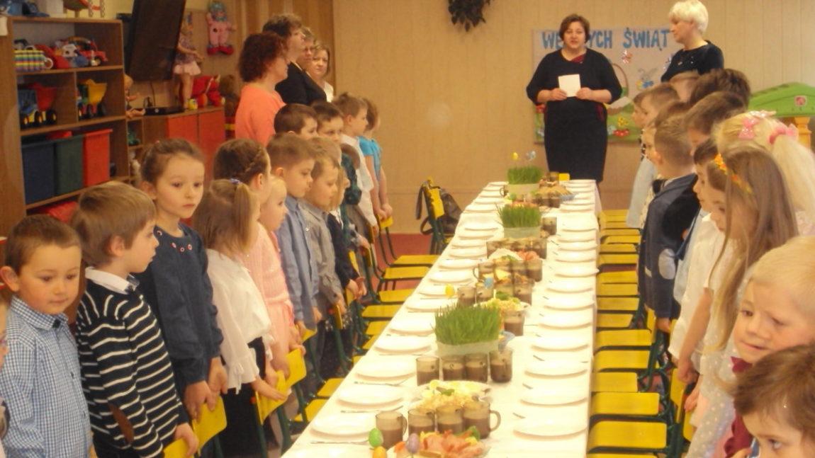 Śniadanie Wielkanocne i Zajączek w Przedszkolu w Iwoniczu-Zdroju