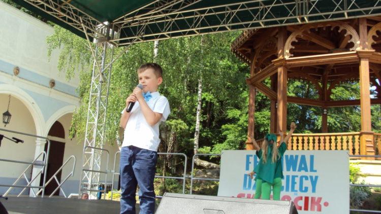 """Wyróżnienia dla przedszkolaków na Festiwalu """"Skrzacik"""""""
