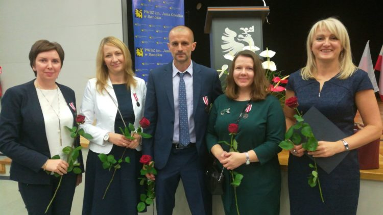 Zaszczytne wyróżnienia dla nauczycieli z Gminy Iwonicz-Zdrój z okazji Dnia Edukacji Narodowej