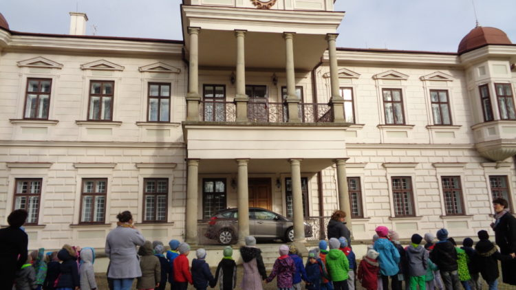Wycieczka do pałacu Załuskich.