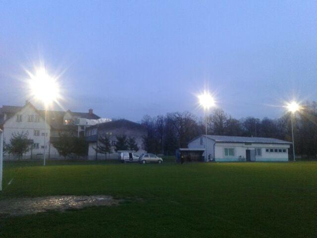 Nowe oświetlenie na stadionie w Iwoniczu