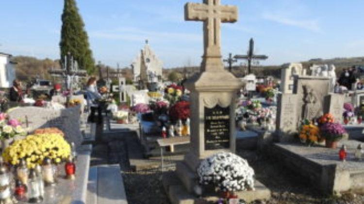 Listopadowa kwesta na iwonickich cmentarzach
