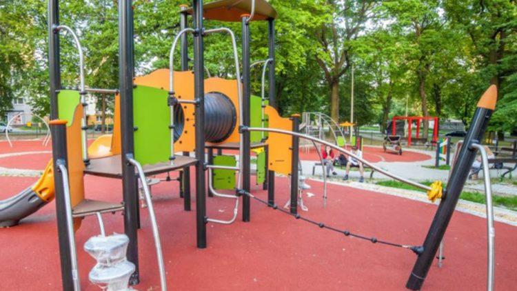 Powstanie altana, siłownia napowietrzna i nowoczesny multimedialny plac zabaw dla najmłodszych mieszkańców Iwonicza