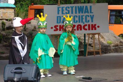 """XIX Powiatowy Festiwal Twórczości Dziecięcej """"Skrzacik"""""""