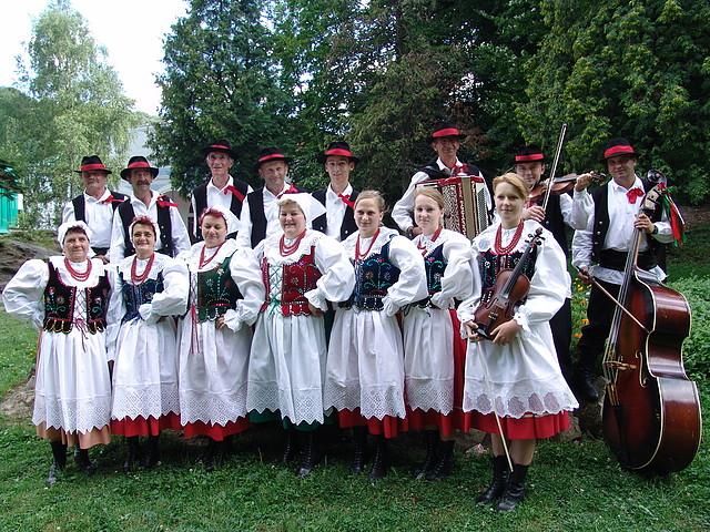 """Zespół """"Lubatowianie""""  w audycji  Radia  Rzeszów"""