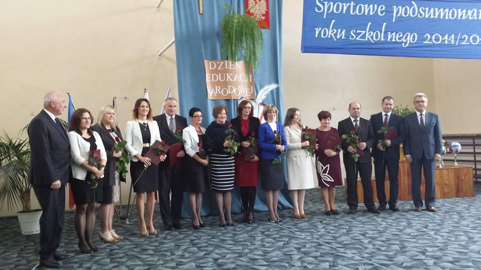 Uroczystość wręczenia Nagrody Burmistrza zasłużonym nauczycielom ze szkół naszej gminy