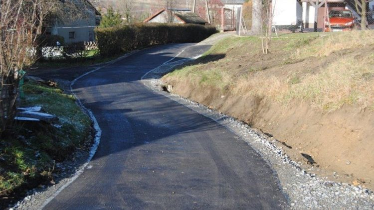 Remont trzech dróg gminnych w miejscowości Lubatówka