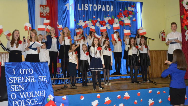 Akademia z okazji  97 rocznicy odzyskania niepodległości przez Polskę
