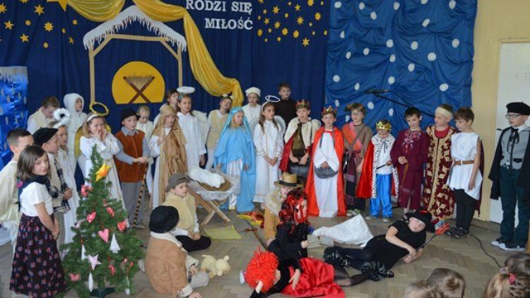 Akademia z okazji Świąt Bożego Narodzenia w Lubatówce