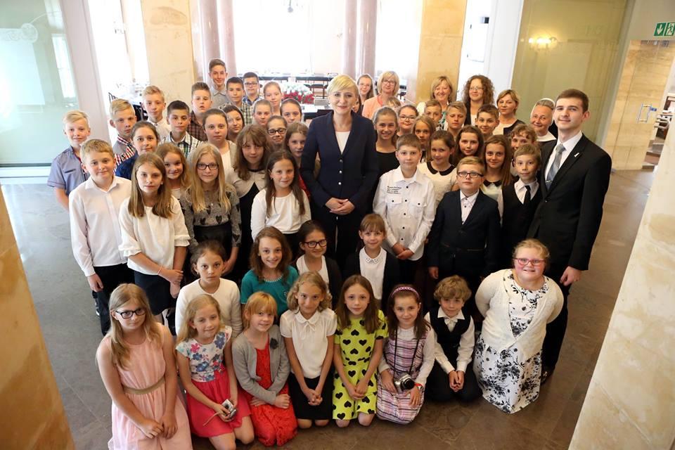 Wycieczka do Warszawy i spotkanie w Pałacu Prezydenckim z Panią Prezydentową Agatą Kornhauser-Dudą