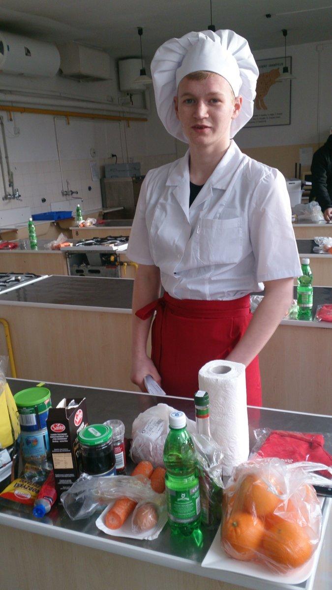 WyróżnieniedlaMichała Widza ucznia ZS przy Osiw OHP  w Iwoniczu w XVIII Małopolskim Konkursie Szkół Gastronomicznych w Krakowie