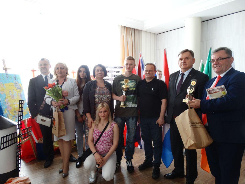 Medalowe zmagania uczniow ZS przy OSIW OHP w Iwoniczu