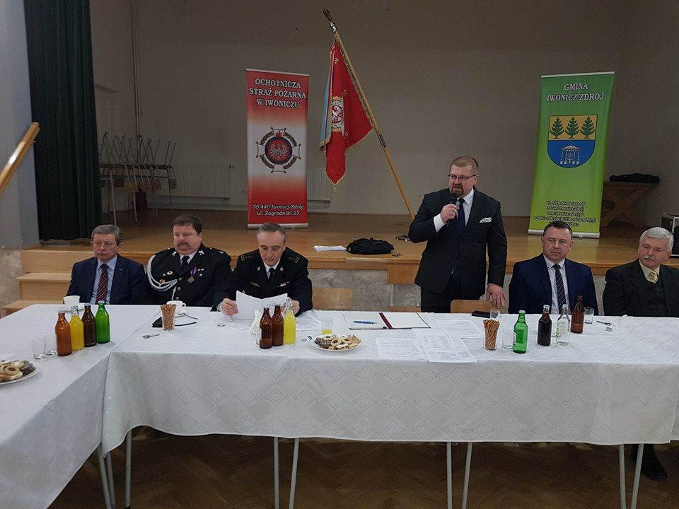 Zebranie sprawozdawcze podsumowujące pracę strażaków-ochotników z iwonickiej jednostki OSP