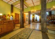 Sanatorium Stare Łazienki hol główny recepcja