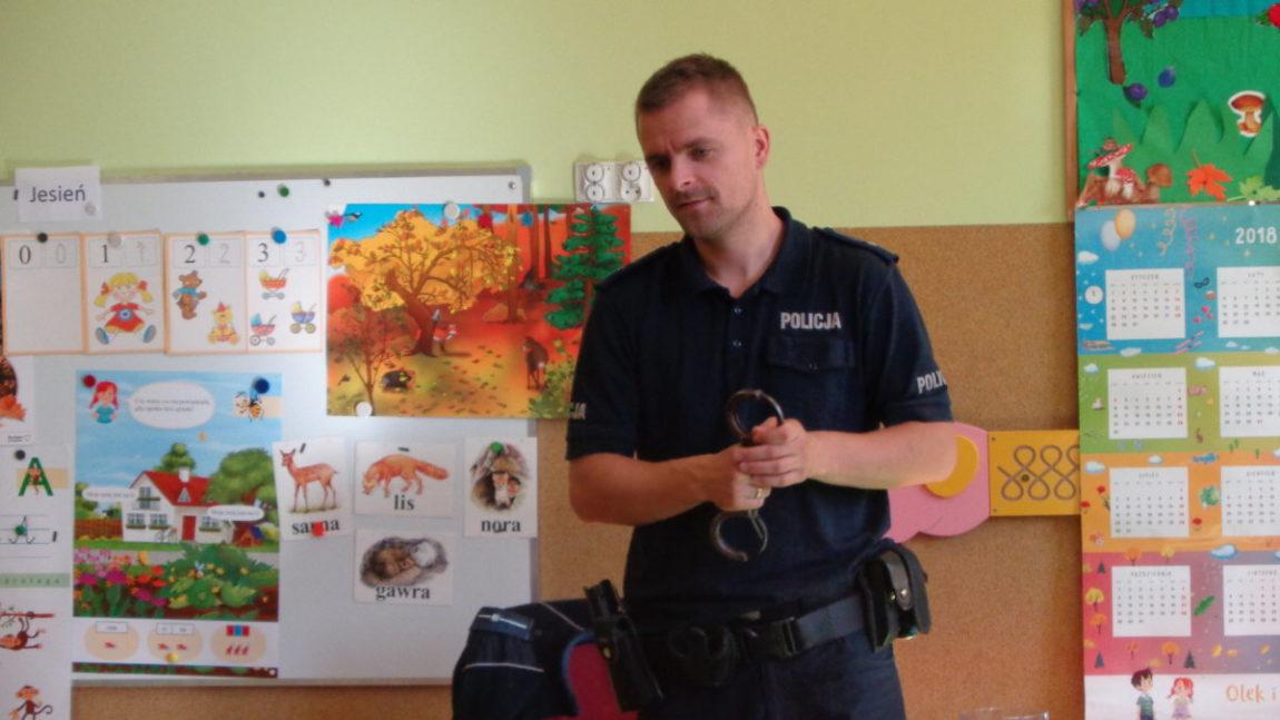 Policjant w przedszkolu