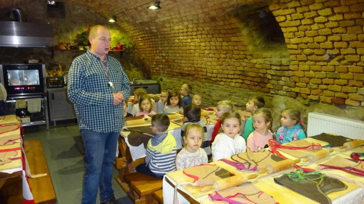 Warsztaty pieczenia pierników w Kopytowej