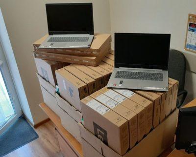 Kolejne laptopy w ramach Zdalnej Szkoły+