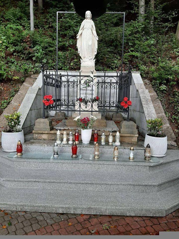 Renowacja XIX-wieczna kapliczki zdrojowej w Iwoniczu-Zdroju