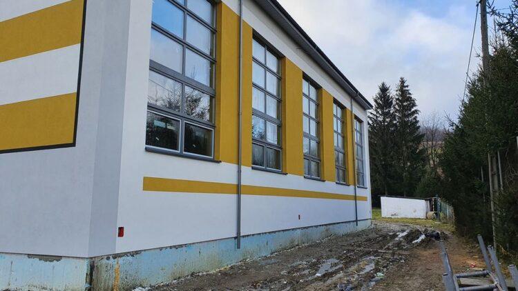 Pierwszy etap prac związanych z budową sali gimnastycznej w Lubatówce zakończony